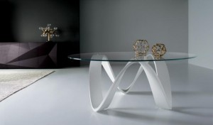 table-basse-verre-moderne-pieds-blancs